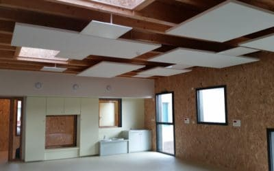 Baffle acoustique et habillage façon de soffite en plaque de plâtre, école de Saint Philbert de Grandlieu