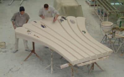 Epreuve en staff démoulé à notre atelier, d'une coquille en staff décorant la salle de spectacle du navire ORCHESTRA
