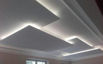 Fabrication et pose de plafonnier décoratif en plaque de plâtre, façon de gorge lumineuse sur un hall d'entrée