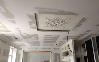 Réaménagement intérieur en plaque de plâtre, cloison, plafond, doublage et plafonnier décoratif