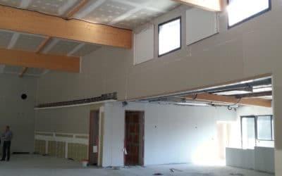 Salle des fêtes de Chemeré plafond et doublage isolant